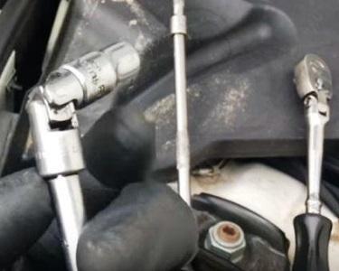 Tools to Replace the Crank Sensor