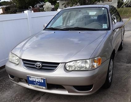 Older 2002 Toyota Corolla LE